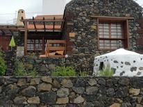 Casa de vacaciones 738529 para 2 adultos + 1 niño en Mocanal