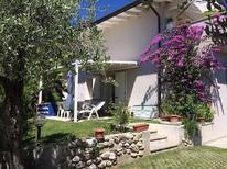 Appartement 742574 voor 5 personen in Manerba del Garda