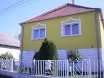 Appartement de vacances 742687 pour 4 personnes , Balatonmariafürdö