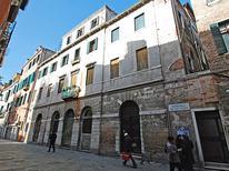 Ferienwohnung 743616 für 3 Personen in Venedig