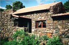 Dom wakacyjny 748963 dla 3 dorośli + 2 dzieci w El Pinar