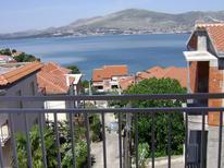 Appartement 749871 voor 5 personen in Okrug Gornji