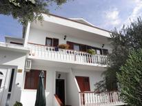 Appartamento 751126 per 5 persone in Povljana