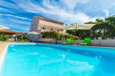 Ferienwohnung 753637 für 6 Personen in Privlaka