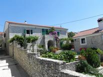 Appartement 753778 voor 4 personen in Zadar