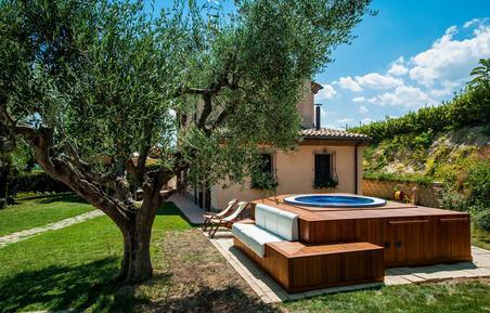 Casa de vacaciones 756448 para 5 adultos + 1 niño en Mondolfo