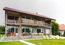 Appartement 759939 voor 9 personen in Balatonlelle