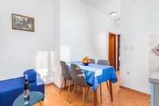 Appartement 760419 voor 4 personen in Fažana