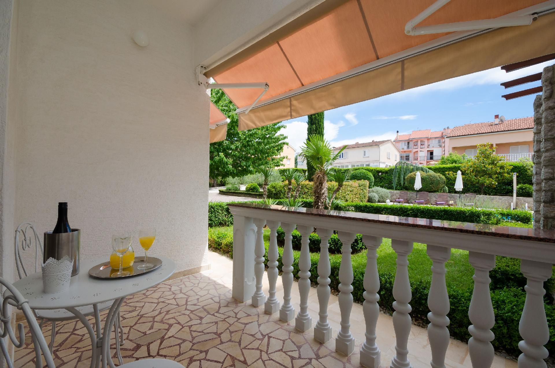 Ferienwohnung f r 2 personen in malinska duba nica atraveo objekt nr 760760 - Appartamenti in montagna con piscina ...