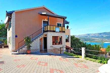 Holiday apartment 760865 for 5 persons in Arbanija