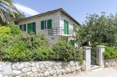 Holiday apartment 761004 for 4 persons in Hvar