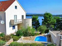 Holiday apartment 761097 for 4 persons in Jelsa