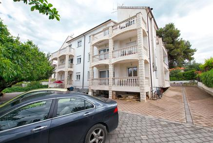 Appartamento 761307 per 4 persone in Okrug Gornji
