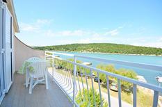 Appartamento 761830 per 4 persone in Jadrtovac