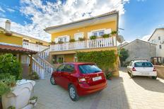 Holiday apartment 761901 for 6 persons in Nin