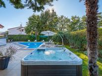 Casa de vacaciones 768052 para 7 adultos + 1 niño en Stranici kod Nove Vasi