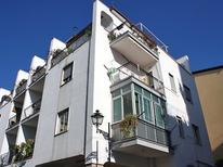 Mieszkanie wakacyjne 769975 dla 4 osoby w Sorrento