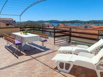 Mieszkanie wakacyjne 775520 dla 5 osób w Biograd