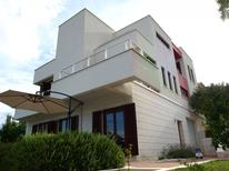 Appartamento 785944 per 4 persone in Okrug Gornji