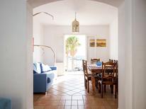 Appartement 791307 voor 6 personen in Santa Flavia