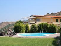 Ferienwohnung 795290 für 6 Personen in Parghelia