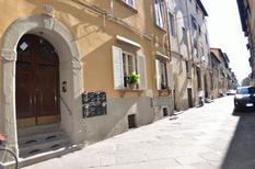 Holiday apartment 800400 for 4 persons in Lucca