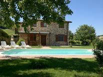 Villa 800982 per 8 persone in San Severino Marche
