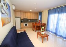 Holiday apartment 805412 for 6 persons in Roses