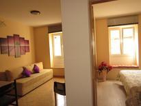 Ferienwohnung 808566 für 4 Personen in Trogir