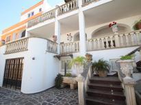 Ferienwohnung 832409 für 6 Personen in Castro in Apulien