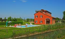 Appartement 832683 voor 6 personen in Lido di Jesolo