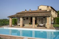 Ferienwohnung 833042 für 2 Personen in Asciano