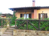 Ferienwohnung 833708 für 5 Personen in Contignano