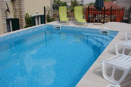 Appartement de vacances 833742 pour 2 adultes + 1 enfant , Pag