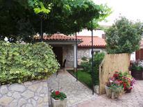 Villa 833758 per 4 persone in Nedescina