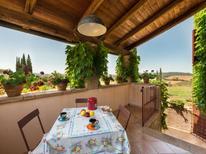 Ferienwohnung 835779 für 4 Personen in Campagnatico