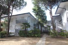 Ferienwohnung 837824 für 7 Personen in Lignano Sabbiadoro