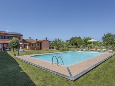 Villa 844048 per 8 persone in Crespina
