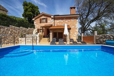 Maison de vacances 844086 pour 6 adultes + 2 enfants , Brsec