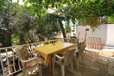 Appartement 845375 voor 6 personen in Ivan Dolac