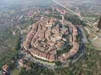 Ferienwohnung 846078 für 4 Personen in Lucignano