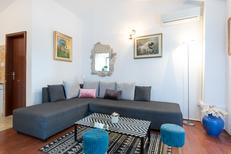 Maison de vacances 848161 pour 7 adultes + 1 enfant , Podstrana