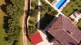 Ferienhaus 849296 für 8 Personen in Ližnjan