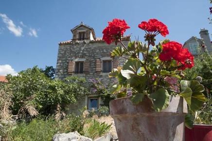 Casa de vacaciones 855111 para 6 personas en Zlarin
