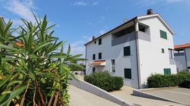 Appartement 855875 voor 6 personen in Zidarići