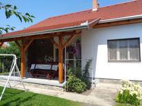 Ferienhaus 856452 für 7 Personen in Balatonfenyves