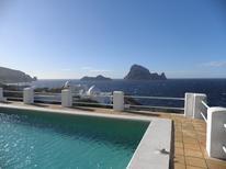 Ferienhaus 857328 für 6 Personen in Cala Carbo