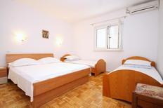 Ferienwohnung 857813 für 4 Personen in Kustići