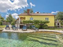 Ferienhaus 863829 für 6 Personen in Štrmac