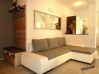 Appartement 866369 voor 6 personen in Zadar